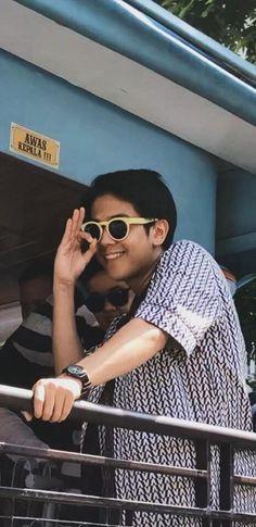 19 Ideas wall paper yellow love for 2019 Dilan Quotes, Overlays Tumblr, Sad Wallpaper, Galaxy Wallpaper, Bad Boy Aesthetic, Boy Celebrities, Tumblr Boys, Boyfriend Material, Beautiful Boys