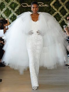 Oscar De La Renta Wedding Dress | 20 Wedding Dresses for the Modern Bride