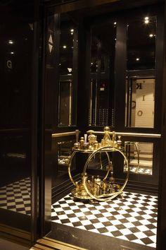 timeless elevator cab interior by Andrea Kantelberg for London on the Esplanade Elevator Door, Elevator Lobby, Office Interior Design, Luxury Interior, Interior Decorating, Lift Design, E Design, Architecture Details, Interior Architecture
