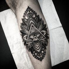 Men Illuminati Tattoo Ideas & Meaning – Best tattoos designs and ideas for men and women Cute Tattoos, Body Art Tattoos, New Tattoos, Hand Tattoos, Tattoos For Guys, Sleeve Tattoos, Tattoos For Women, Mandala Tattoo, Arm Tattoo
