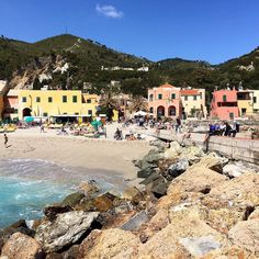 #varigotti#savona#italy#liguria#ig_liguria#loves_liguria#ig_liguria_ #panorama #horizon #landscape #view #sea #seaporn #sky #skyporn #clouds #bluesky#blu#italian_trips #nature  #expoborghi#amazing#loves_bestpic #volgoitalia #tourism_in_italy  #reflection#boat#top_italia_photo#italiainunoscatto#great_captures_italia