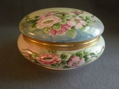 Union Ceramique Limoges Hand-Painted Dresser Box w/Wild Rose Blossoms Motif