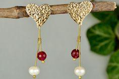 Heart long earrings, hammered studs, white pearl earrings, garnet jade jewelry, Valentine earrings, wife gift idea, love stud, beaded hearts by ColorLatinoJewelry on Etsy