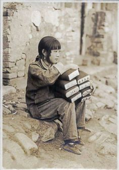 """China c 1935 ? """"a poor but beautiful country girl"""" 20090708から8"""
