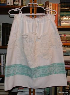 Turn the Table Cloth into A Skirt Vintage by RustIsVogue on Etsy, $45.00