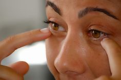 The diabetic retinopathy procedure explained. It is vitally important to attend a diabetic retinopathy screening if you are a diabetic. find out more and get a free diabetes eBook at http://www.tamingdiabetes.com