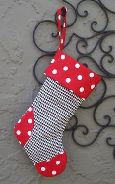 houndstooth Christmas Stocking with my other favorite red with white polka dots ~ I want one!