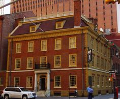 FRAUNCES TAVERN, NYC OLDEST RESTAURANT ~ It has been in operation since 1762, Headquarters of George Washington.m  These days, a huge variety of beer and whiskey is served along with oysters, chowder, burgers.mThe dining room keeps the Colonial theme in mind.