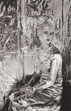 Cecil Beaton's sisters- pearly moon goddess