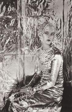 cecil beaton's sister baba, 1920s via honey kennedy
