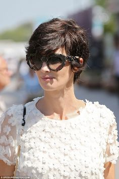 Short Hairstyles : 10 Celebrity Short Hairstyles That Will Look Great on You If you're trying to find excellent short hairstyles for your short hair, you must take a glance at the gathering wherever Pixie Hairstyles, Short Hairstyles For Women, Cool Hairstyles, Shot Hair Styles, Curly Hair Styles, Hair Inspo, Hair Inspiration, Celebrity Short Hair, Corte Y Color