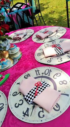 Party ideas disney alice in wonderland 49 ideas Alice In Wonderland Tea Party Birthday, Alice Tea Party, Mad Tea Parties, Summer Parties, Alice In Wonderland Decorations, Alice In Wonderland Theme, Winter Wonderland, Mad Hatter Party, Mad Hatter Tea
