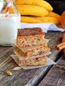 Jekin Kapric : Zdravi kolač sa ovsenim pahuljicama, bananom i jabukom Kolachi Recipe, Baking Recipes, Healthy Recipes, Healthy Food, Recipe Using, No Bake Cake, Sandwiches, Food And Drink, Strawberry