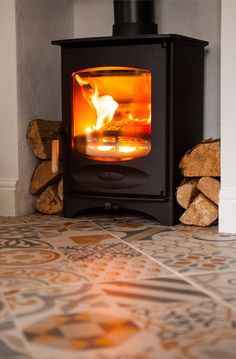 Charnwood C4 wood burning stove in our lovely new kitchen!
