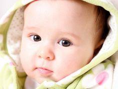 Mamiweb.de - Babypflege - Nase säubern  Babypflege - wie sollte man richtig die Nase säubern?  HIER LESEN: http://www.mamiweb.de/familie/wie-sollte-man-babys-nase-saeubern/1  #babypflege #nase #nasesäubern #babynase #baby