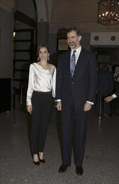 Don Felipe y doña Letizia disfrutan de la ópera en el Teatro Real por primera vez como Reyes