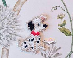 Cute doge brick stitch pendant - photo only Seed Bead Patterns, Peyote Patterns, Beading Patterns, Bracelet Patterns, Stitch Patterns, Beading Projects, Beading Tutorials, Art Perle, Brick Stitch Earrings