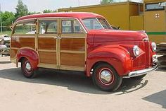 Picture review of the Studebaker from 1940 to 1949 BK) A friend had an old Woody during the 60's/70's...must find out if she still has it  <3