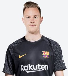 All the information on Messi, Coutinho, Suárez, Gerard Piqué and the rest of the Barça football first team Basketball Players, Soccer, Fc Barcelona Wallpapers, Virgil Van Dijk, Marc Andre, Sports Celebrities, Football, One Team, Goalkeeper