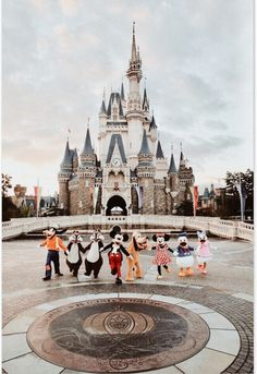 Welcome to Walt Disney World. Come and enjoy the magic of Walt Disney World Resort in Orlando, FL. Plan your family vacation and create memories for a lifetime. Disney World Fotos, Disney World Resorts, Disney Parks, Disney World Castle, Disney World Pictures, Disney Vacations, Disney Trips, Disney Worlds, Walt Disney Orlando