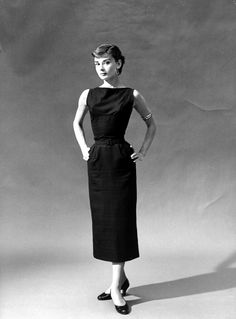 Edith Head once told Audrey Hepburn to stay away from black. i love audrey hepburn Robes Audrey Hepburn, Style Audrey Hepburn, Audrey Hepburn Pictures, Audrey Hepburn Black Dress, Audrey Hepburn Fashion, Audrey Hepburn Givenchy, Look Fashion, Timeless Fashion, Vintage Fashion