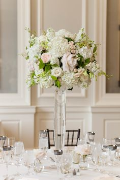Ivory and blush peony centerpiece: Photography: Emilia Jane Photography - emiliajanephotography.com   Read More on SMP: http://www.stylemepretty.com/2016/08/04//