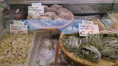 Qui ci hanno colpito le trenette all'oliva taggiasca. In Liguria siamo davvero buongustai :-)