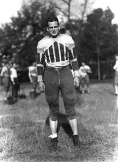 Bryant - Centennial Celebration Love the Bear🐘 Alabama College Football, American Football, Crimson Tide Football, Alabama Crimson Tide, Alabama Athletics, Bama Fever, Nick Saban, Sport Icon, Football Pictures