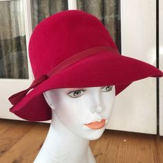 BETMAR VINTAGE RED WOOL HAT WITH BOW ADORABLE BETMAR VINTAGE WOOL HAT WITH BOW Size SMALL , has wear including moth nibbles does not affect beauty of hat Betmar Accessories Hats