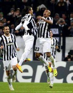 King Arthur e Caceres esultano dopo il gol #juvecopenaghen