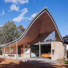 Blackburn Lake Sanctuary by #centrumarchitects #architecture #architecturephotography #archidaily #architecturelovers #melbournearchitecture #australianarchitecture #architectureporn #timberceiling