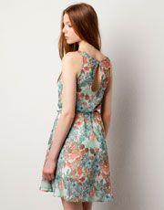 Super lovely dress - Pull and Bear (29.99 euros)