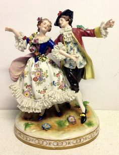 Volkstedt, Muller & Co, Dresden Porcelain Manufactory (Germany) —  Cavalier and Lady,1762  (926x1200)