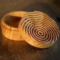 How to make a Lattice Top Box. By Jason Clark, distinctiveturnings.com via woodturningonline.com