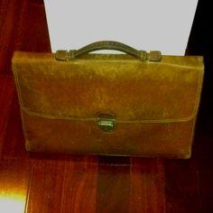 Vintage leather Mila Schön bag.
