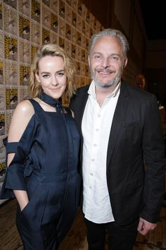 Jena Malone (Johanna) with The Hunger Games: Catching Fire director Francis Lawrence
