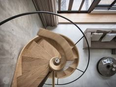 A Sculptural Spiral Staircase Makes A Statement In This Home's Interior Staircase Railings, Staircase Design, Stairways, Spiral Staircases, Interior Stairs, Interior And Exterior, Architecture Design, Small Wooden House, Modern Stairs