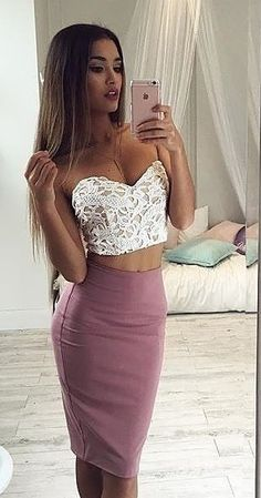 30 Latest Fashion Trend Outfit Ideas For You This Summer – Kate Hutson 30 Latest Fashion Trend Outfit Ideas For You This Summer White Lace Bandeau Crop + Dusty Pink Pencil Skirt Source Night Outfits, Classy Outfits, Sexy Outfits, Summer Outfits, Cute Outfits, Fashion Outfits, Womens Fashion, Fashion Ideas, Fashion Tips