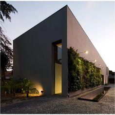 House In Estoril / Frederico Valsassina Arquitectos floral design floral design nature flower arrangement propagation propagation activity propagation plants reproduction state state persistent wall nervensystem Residential Architecture, Contemporary Architecture, Interior Architecture, Building Architecture, Beautiful Architecture, Design Exterior, Interior And Exterior, Grey Exterior, Detail Architecture