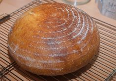 "V kuchyni ""Obyčejné ženy"": Kváskový chleba krok za krokem... Food And Drink, Bread, Sony, Deserts, Brot, Baking, Breads, Buns"