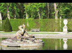 En scène... Action !  Tous les acteurs du jardin de Vaux le Vicomte prennent la pause pour le bonheur des photographes et des promeneurs...