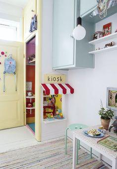 a little 'walk up' window in the closet! so cute!