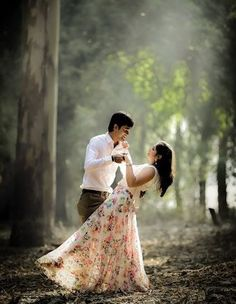 Here are the Cutest Pre Wedding Shoot Ideas which will make your shoot enjoyable & entertaining. Book your wedding with BookeventZ ! Pre Wedding Shoot Ideas, Pre Wedding Poses, Pre Wedding Photoshoot, Wedding Reception, Indian Wedding Couple Photography, Wedding Couple Photos, Photography Couples, Couple Shoot, Photography Ideas