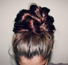 Messy top knot tutorial with video!