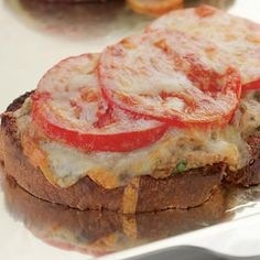 Tuna Melt Recipes-A Classic Tuna Melt is among well known lunch recipes ever. A tuna melt is a warm, open-faced sandwich made out of tuna salad and topped with tomato a. Healthy Sandwich Recipes, Healthy Sandwiches, Fish Recipes, Seafood Recipes, Quick Recipes, Dinner Recipes, Amazing Recipes, Salmon Recipes, Potato Recipes
