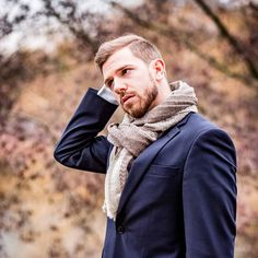 Let us know what you think about our scarves, gentlemen! (...and -women ) #menswear #menwithclass #nisantari #accessories #gentleman #luxury #scarf #men #style #mnswr #mensfashion #business #cashmere #model #gentslounge #lookbook #ff #followback #dailystyle #classy #gq #fashion #mensgoods #dapper #Wiesbaden #Germany #brown #lifestyle #suit #blue