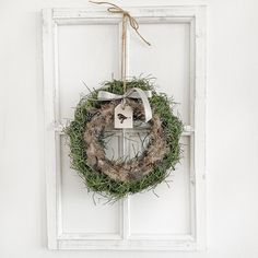 Gras, Ladder Decor, Wreaths, Home Decor, Feathers, Decoration Home, Door Wreaths, Room Decor, Deco Mesh Wreaths