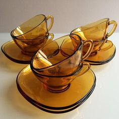 Vereco coffee cups and saucers / French amber glass / vintage Coffee Cups And Saucers, Cup And Saucer, Tea Cups, Cafe Style, Amber Color, Retro Chic, Amber Glass, Have Time, Vintage Shops