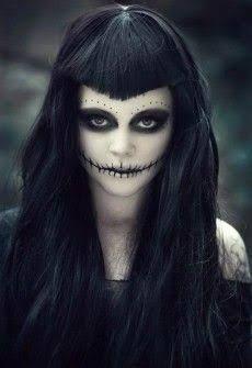Halloween Makeup For Women – 60 Creepy Makeup Ideas Loading. Halloween Makeup For Women – 60 Creepy Makeup Ideas Halloween Zombie, Diy Halloween Face Paint, Zombie Make Up, Creepy Halloween Makeup, Creepy Makeup, Looks Halloween, Witch Makeup, Halloween Halloween, Dead Makeup