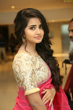 Anupama Parameswaran sexy pics are an eye feast for her fans. Here are the bold and hot images of Anupama Parameswaran from her hot photoshoots. Do check out Sizzling images of Anupama Parameswaran in saree, Jeans etc Beautiful Girl Indian, Most Beautiful Indian Actress, Beautiful Women, Beautiful Images, Beautiful Bollywood Actress, Beautiful Actresses, Beauty Full Girl, Beauty Women, Women's Beauty